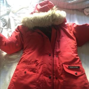 Canada goose! Would exchange for black or white!